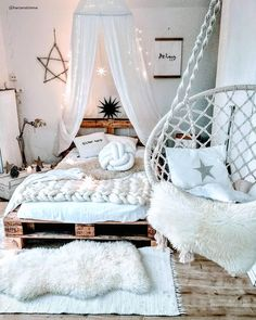 135 lovely bohemian bedroom decor ideas you have to see 68 Cute Bedroom Ideas, Cute Room Decor, Room Ideas Bedroom, Girl Bedroom Designs, Teen Room Decor, Dream Bedroom, Cosy Bedroom, Bedroom Bed, Master Bedroom