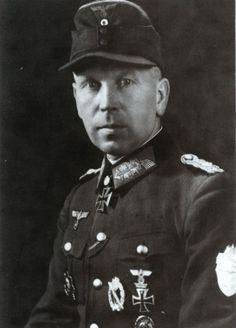 ✠ Heinrich Nickel (5 December 1894 – 2 January 1979) RK 16.06.1940 Oberstleutnant Kdr III./Inf.Rgt 26 30. Infanterie – Division [543. EL] 08.08.1944 Generalmajor Kdr 342. Inf.Div