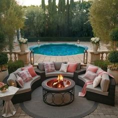 In create outdoor backyard design, you must first determine its function, as a park, a hangout, a playground or as a place to reflect. Small Patio Ideas On A Budget, Budget Patio, Outdoor Spaces, Outdoor Living, Outdoor Decor, Backyard Patio, Backyard Landscaping, Landscaping Ideas, Backyard Ideas