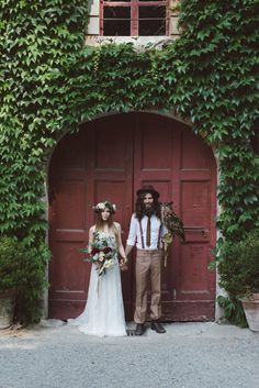 We think you guys are going to go crazy for this cool wedding inspiration shoot with rich hues, luxe blooms, and indie style, by Margherita Calati Photography,
