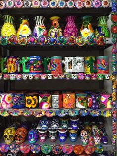 Mercado de Artesanias (Mexico City, Mexico) Ill take it all Mexican Colors, Mexican Style, Mexican Crafts, Mexican Folk Art, Mexican Ceramics, Talavera Pottery, Pottery Art, Mexican Heritage, Mexico Culture