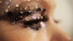 Glitter Glitter Eyes