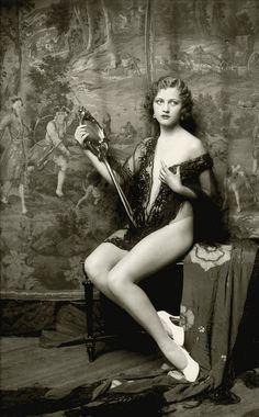 Ziegfield Follies, photo by Alfred Cheney Johnston