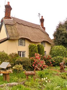 Thatched Cottage, Market Bosworth, England posted by www.futons-direct.co.uk