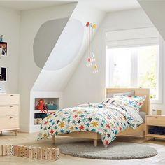 Modern Nursery Furniture, Modern Kids Bedroom, Teen Furniture, Nursery Decor, Bedroom Bed, Dream Bedroom, Bedroom Ideas, Mid Century Bed, Scandinavian Kids Rooms