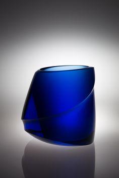 Peter Bremers Glass sculptures Circumscribed Space `17, dim.42x42x42cm.