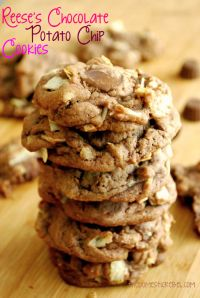 Reese's Chocolate Potato Chip Cookies are the sweet and salty in one amazing cookie!