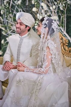 Pak Couture — O'Shoot Photography Couple Wedding Dress, Pakistani Wedding Outfits, Pakistani Bridal Dresses, Pakistani Wedding Dresses, Bridal Outfits, Pakistani Couture, Groom And Groomsmen Attire, Groom Outfit, Groom Dress