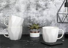 Elegancki, pojemny i wygodny kubek do kawy i herbaty. Jego geometryczny kształt idealnie sprawdzi się w nowoczesnych wnętrzach. #porcelanadodomu #kubek #geometryczny #design Tableware, Porcelain Ceramics, Dinnerware, Tablewares, Dishes, Place Settings