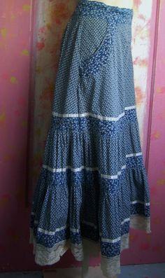 Vintage Size 26 inch waist Ladies Prarie Style Skirt