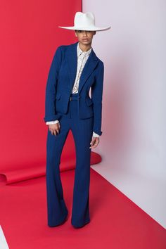 Tracy Reese Resort 2017 Fashion Show Collection: See the complete Tracy Reese Resort 2017 collection. Look 9 Tracy Reese, Fashion 2017, Fashion Show, Womens Fashion, Vogue Mexico, Classic Suit, Resort 2017, Fashion Seasons, Fashion Images