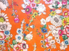Eijffinger Behang - Collectie Ibiza - art.nr. 330205Vliesbehang, afmeting: 10,05 x 52 cm. Patroon 53 cm. Plaksel voor vliesbehang: perfax roll-on