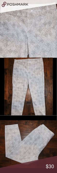 GAP Women's white chino with dot print sz 14 Gap women's white cropped  chino with brown dot print   97% cotton 3% elastane. Gently used  Condition  sz 14 length 26 in GAP Pants Ankle & Cropped