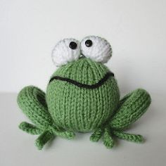 I am a happy knitted frog :)