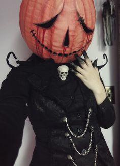 How to make a pumpkin head