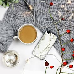 #flatlay #marble #case #photography  White Marble on iPhone 5s case More on: http://www.etuo.pl/etui-na-telefon-marble-collection-bialy-marmur.html
