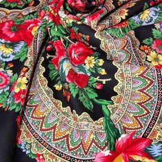 Fringes, Red Roses, Shawl, Saree, Silk, Trending Outfits, Unique Jewelry, Handmade Gifts, Floral