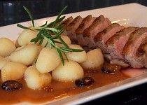Kachní prsa s brusinkovou omáčkou Muesli, Gnocchi, Pork, Food And Drink, Beef, Chicken, Recipes, Kale Stir Fry, Meat