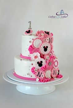 MINNIE MOUSE 1ST BIRTHDAY CAKE   One of our cakes from this weekend was this two…
