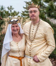 King Siegfried Brandboern and Queen Ragni Dzintara of Amberhall    Photo by Kyle Andrews