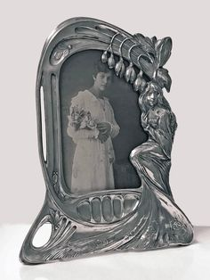 For Sale on - Rare design Art Nouveau pewter photograph frame, Austria, Argentor, circa stamped M. The frame depicting lady amidst floral Modern Picture Frames, Vintage Picture Frames, Love Frames, Art Frames, Design Art Nouveau, Art Deco, Antique Vanity, Antique Silver, French Country Style