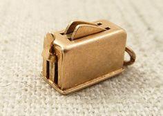 Vintage Gold Pop Up Toaster Charm by MindiLynJewelry on Etsy Lucky Charm Bracelet, Vintage Charm Bracelet, Pandora Bracelet Charms, Charm Bracelets, Charm Jewelry, Vintage Jewelry, Jewelry Tools, Jewelry Box, Jewelery