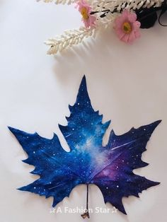 7 Easy Incredible Art On Leaves - Leaf Painting Ideas For Ho.- 7 Easy Incredible Art On Leaves – Leaf Painting Ideas For Home Decor - Fall Crafts, Diy And Crafts, Crafts For Kids, Arts And Crafts, Painted Leaves, Painted Rocks, Art Diy, Leaf Art, Simple Art