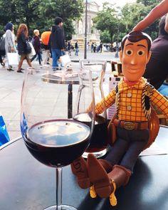 Disnayland Paris welcome to! relacja w vlogu 18 juz na @youtube (LINK W BIO) #yt #disneyland #disneylandparis #galanty #yt #youtube #vlog @tokarzewska #western #childhood #beautiful #goodday #friend #disney #story #dream #kingdom #queen #love #goodlife #france #paris #youtuber #chudy #andy #toy #toystory #wine #winetime #winetime
