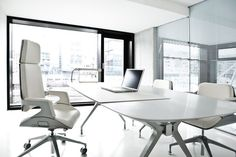 Modern & sophisticated, the studio of Hadi Teherani AG in Hamburg's Hafencity, the office of the product developer of design products such as the Interstuhl range, Silver & shown here - Interstuhl Silver 162s & 362s.