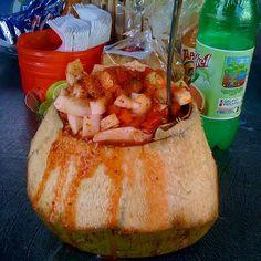 Coco con mariscos estilo Sinaloa Mex¡