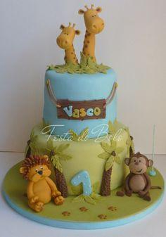 love the giraffes poking out of the top Jungle Birthday Cakes, Jungle Safari Cake, Jungle Theme Cakes, Safari Cakes, Fondant Cakes, Cupcake Cakes, Zoo Cake, Extreme Cakes, Foundant