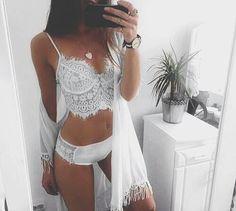 Imagem de white, girl, and fashion