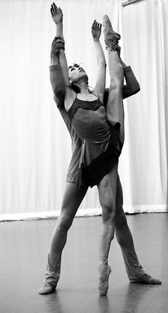 a ballet dancer's body | ballet body ballerina ballet dancer dance pas de deux dancer