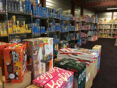 www.Stuntwinkel.nl gaat nu ook speelgoed inslaan voor Sinterklaas en Kerst! Super aanbiedingen komen eraan van topmerken: Disney, Bratz, Playmobil, Fisher Price, Matchbox, Lego, Duplo, Noddy, Megabloks, Beyblade, Barbie, Hot wheels, etc.