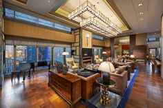 #MOfact: Mandarin Oriental Pudong, Shanghai's Presidential Suite takes up the majority of the hotel's 25th floor, fusing elements of traditional Chinese style with contemporary design touches.