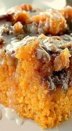 Carrie tried this, not bad, but regular cinnamon roll cake is better and way easier. Sweet Potato Cinnamon Roll Cake ~ Incredibly delicious…a dense moist sweet potato cake that tastes like a cinnamon roll Sweet Recipes, Cake Recipes, Dessert Recipes, Paleo Dessert, Pumpkin Dessert, Food Cakes, Sweet Potato Cinnamon, Delicious Desserts, Yummy Food