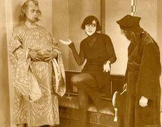 Szene mit Asta Nielsen (Mitte)