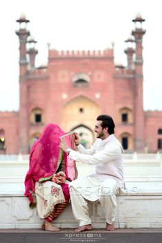 Traditional way of first time looking after nikah in Pakistan Wedding Couple Poses, Couple Posing, Couple Shoot, Wedding Couples, Couple Art, Pakistani Wedding Photography, Bridal Photography, Muslim Brides, Muslim Couples