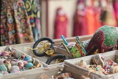 Jaipur has some great boutiques, bazaars and markets well worth taking a wander around. Check out my list of the best places to shop in Jaipur. Bike Rally, Souvenir Store, Luxury Jewelry Brands, Cheap Shopping, Blue Pottery, Photography Competitions, Cotton Bag, Retro, Jaipur