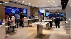 Samsung opens its flagship electronics store in Sydney Australia, claims it didn't copy the Apple Store design Microsoft Store, Samsung Store, Ipad, Retail Store Design, Brick And Mortar, Open Layout, Digital Trends, Digital Signage, New Market