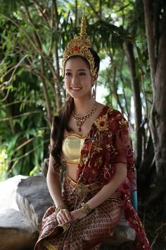 Thai dresses costume:Fime Thailand Costume, Filipino Fashion, Thai Dress, People Of The World, Pinoy, Costume Dress, Asian Beauty, Fashion Art, Old Things