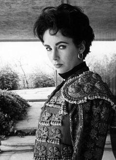 Elizabeth in 1954 by Sanford Roth