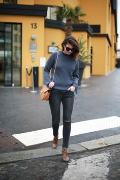 Molitor The Brunette - grey outfit