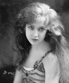 Doris Eaton last of the Ziegfeld Follies Chorus Girls- she died at age 106