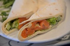smoked salmon and cucumber wrap 20 Healthy Breakfasts Under 400 Calories For Mornings On The Run