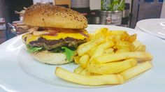 Kokkileikkejä, kokkiopiskelija Jonnan blogi TOP-jaksolta. Hamburger, Ethnic Recipes, Top, Hamburgers, Shirts, Blouses