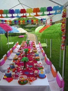 fun color, color decor, kid party's, kids hawaiian birthday party, colorful decor, parties kids, kid parties, hawaiian parti, backyard kids