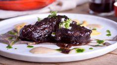 Receta | Carrilleras de cerdo asado con puré de legumbres y verduras - canalcocina.es