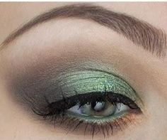 Gorgeous green and brown look (not in English)
