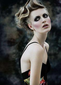 Statuesque Grecian Photography : Andrey Lili Irreversibilite
